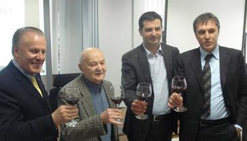 Giovanni Battista, secondo da sinistra, tra dardanello, Sacchetto e Ferrero