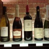 Alcune marche di vini esposte all'enoteca italiana anche per attirare il mercato USA